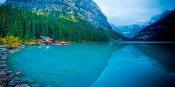 Lake-louise-lake--boathouse